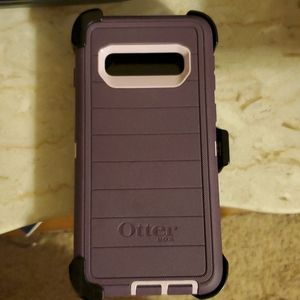 New without box Otterbox case for Samsung S10.